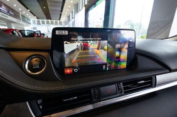 Camera 360 độ được trang bị trên phiên bản Premium