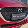 Mặt ga lăng Mazda 2 2021 được đánh giá đẹp và sang trọng hơn thế hệ trước