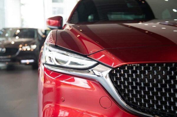 Giá xe Mazda 6 2021 gây bất ngờ khi giữ nguyên mức giá so thế hệ trước với hàng loạt nâng cấp đáng giá.