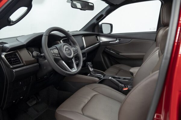 Hàng ghế đầu bán tải Mazda BT-50
