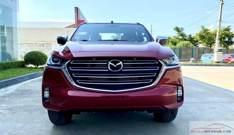 Mazda BT50 2021 màu đỏ