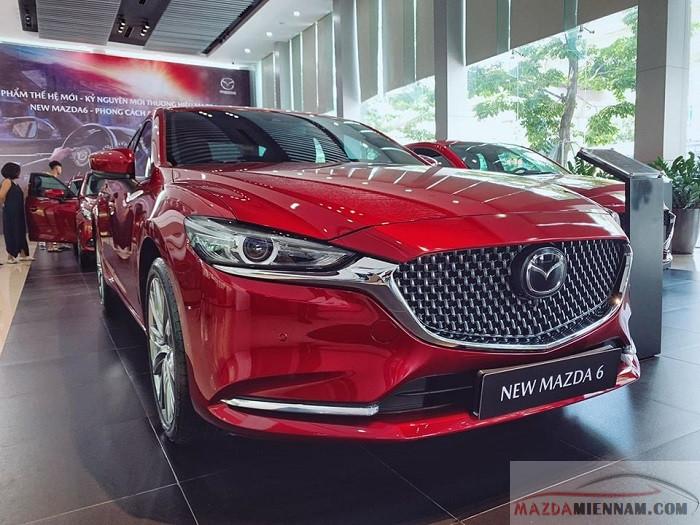 Mazda 6 mới có chiều dài cơ sở lớn nhất phân khúc giúp người ngồi thoải mái khi ngồi trên xe