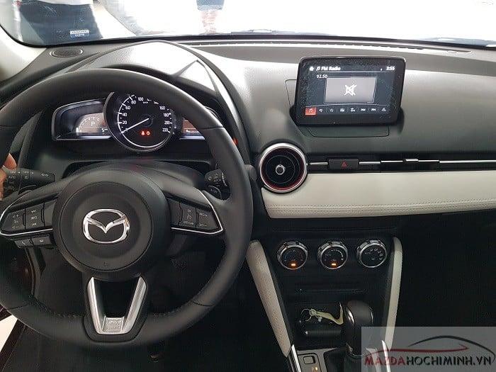 Nội thất màu kem trên phiên bản Hatchback nhập Thái Lan
