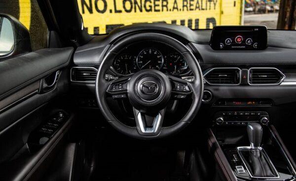Nội thất Mazda CX-5 2021 sang trọng trong phân khúc với thiết kế mang phong cách châu Âu
