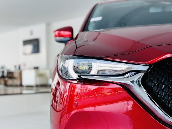 Đèn full led Mazda CX-5 kết hợp đường viền chrom tăng độ thể thao cho xe