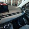 Hệ thống tiện ích trên Mazda 2 gồm đều hòa tự động, kết nối bluetooth đi kèm với 6 loa