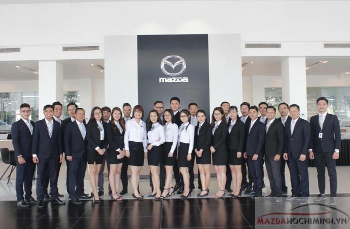 Nhân viên đại lý Mazda tại TPHCM chuyên nghiệp nhiệt tình