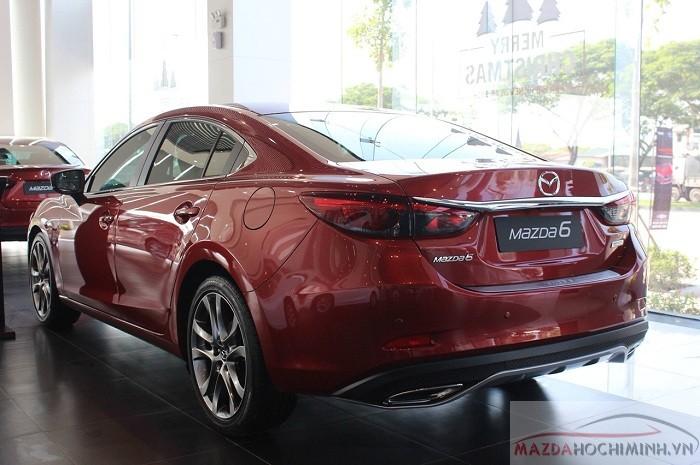 Phần đầu và đuôi trên Mazda 6 điều hoàn hảo từng chi tiết