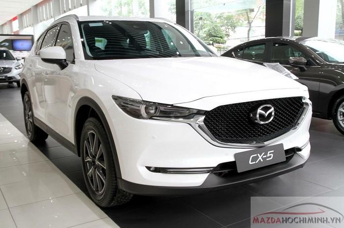 Mâm 19 in và các đường nét góc cạnh làm cho Mazda CX-5 2018 hoàn hảo