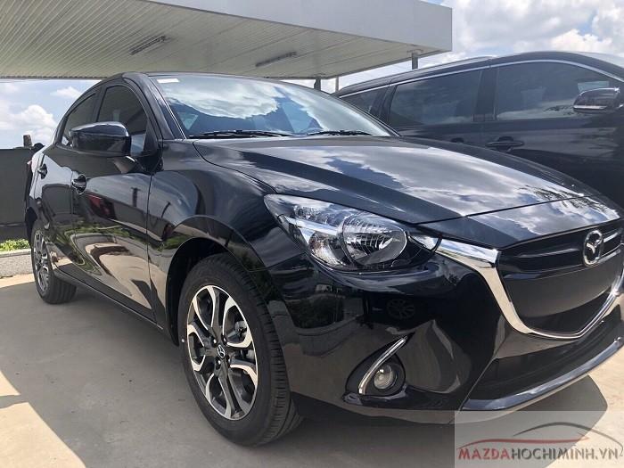 Mazda 2 sedan hình ảnh thực tế tại cửa hàng