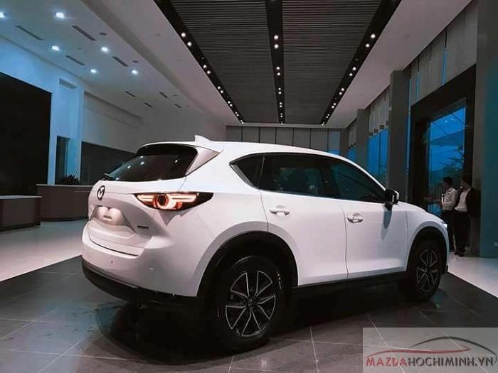 Mức giá bán cho phiên bản Mazda CX-5 2.0 chỉ 899 triệu đồng