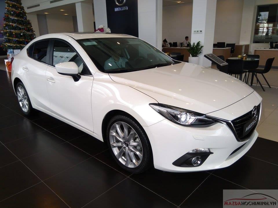 Phiên bản 2.0 sedan có mức giá bán 750 triệu đồng