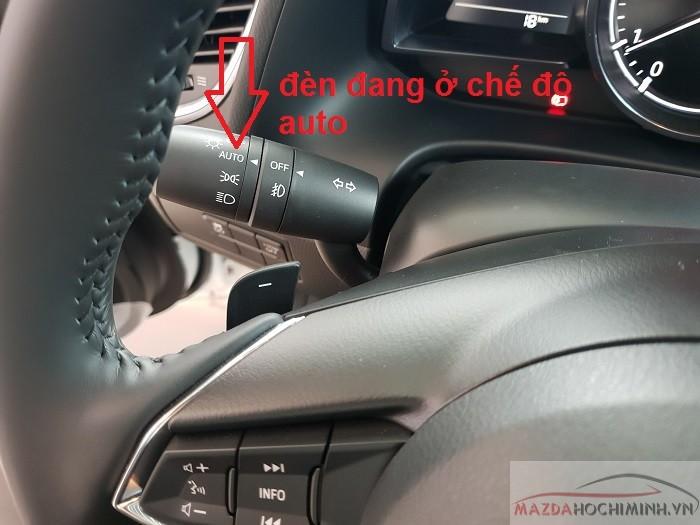Đèn Mazda 3 có chức năng auto tự động bật khi thiếu sáng