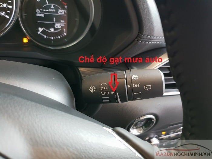 Gạt mưa tự động trên Mazda 6