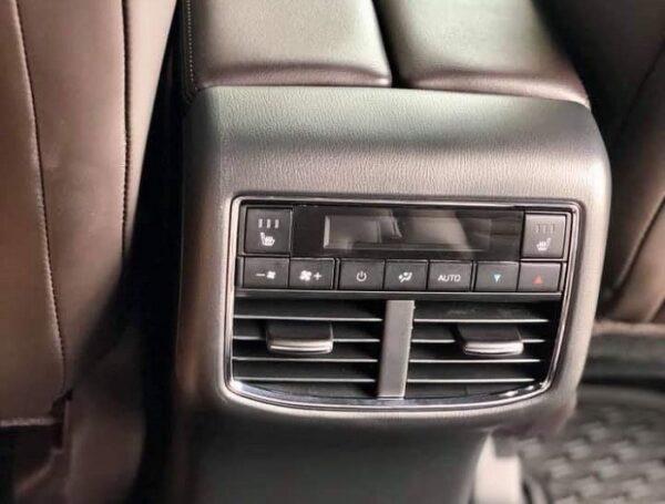 Điều hòa 3 vùng độc lập giúp xe làm lạnh nhanh và sâu hàng ghế thứ 2