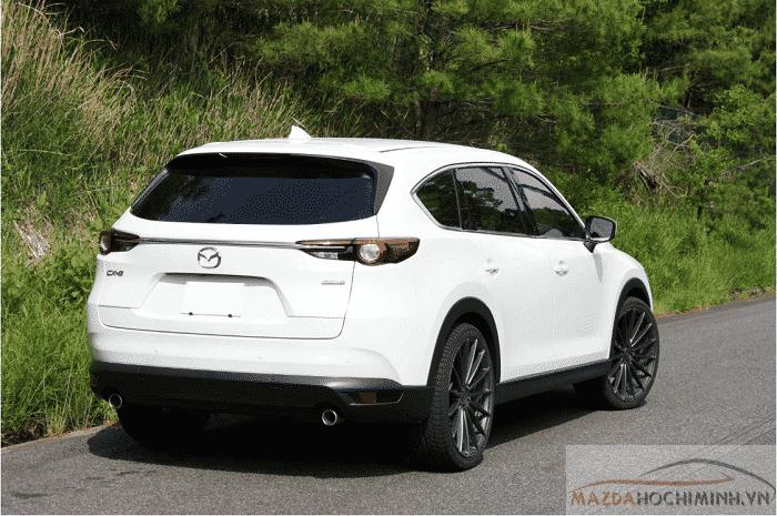 Phần đuôi xe Mazda Cx8 2019