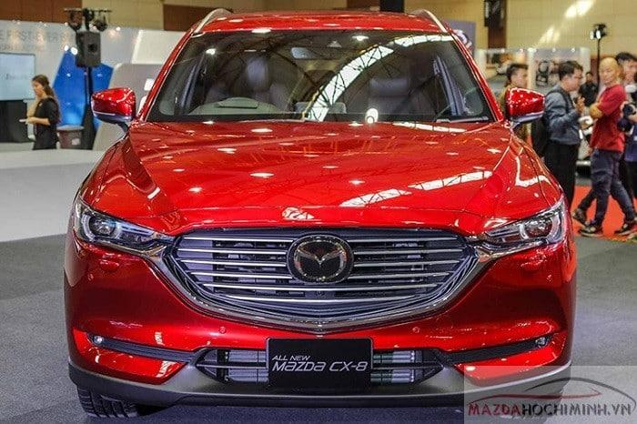 Mazda CX-8 2019 được trưng bày tại showroom châu Á