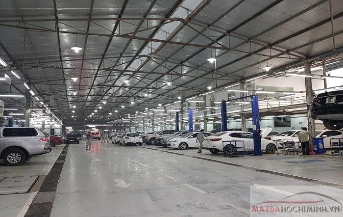 Xưởng dịch vụ lớn và sửa chữa nhanh chóng giúp khách hàng không chờ đợi lâu