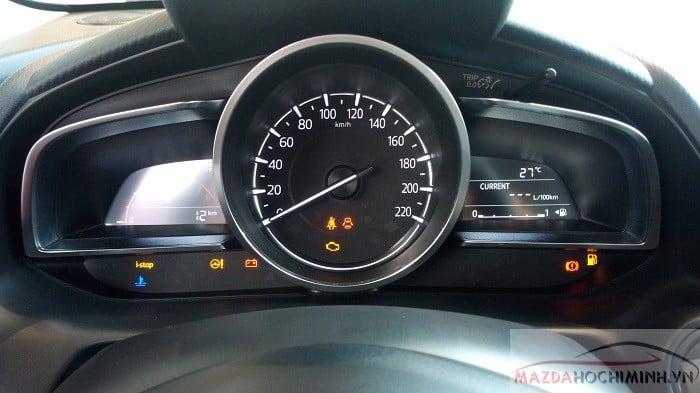 Các nút hiển thị trên Mazda 2 2019