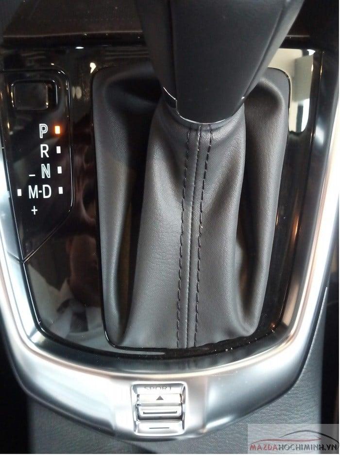 Mazda 2 trang bị 6 cấp số tích hợp chế độ lái sport
