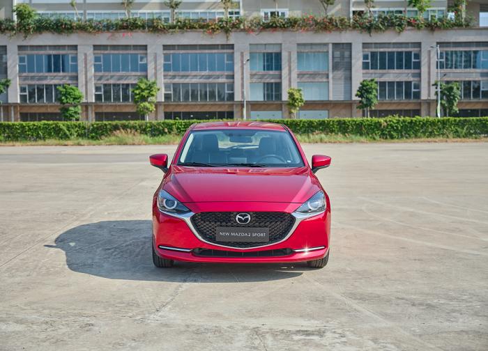 so sánh Mazda 2 và Mazda 3
