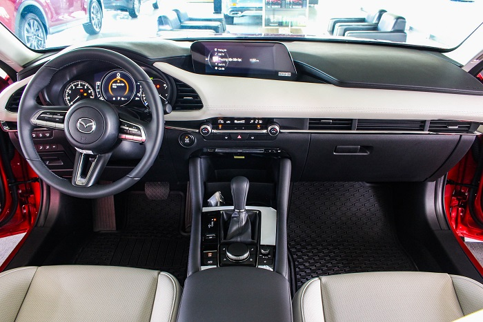 Thông số kỹ thuật nội thất Mazda 3