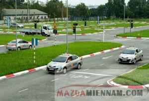 Nên thi bằng lái xe B1 hay B2 sẽ tiện dụng hơn?