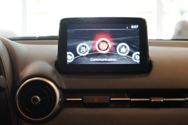 """Màn hình trung tâm Mazda Connect 7"""" hiện đại"""