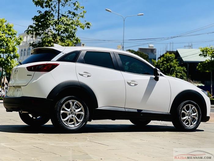 Xe hơi Mazda CX-3 màu trắng