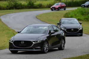 các dòng xe Mazda 4 chỗ