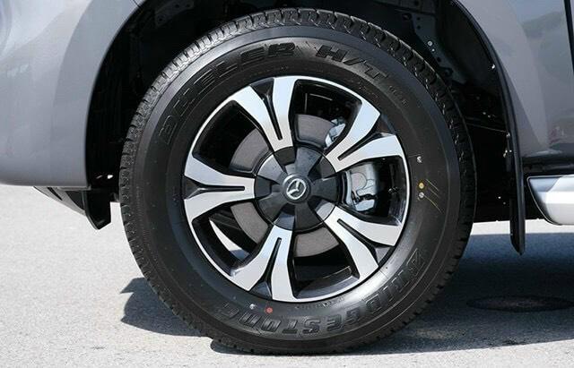 mẫu xe bán tải all new Mazda BT-50 mới ra mắt 3