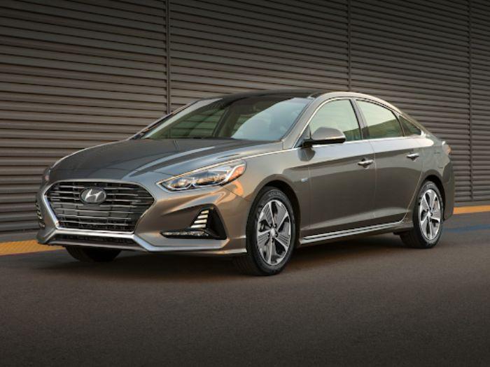 Hyundai nhìn chung sẽ không có đủ trang bị an toàn giống với Mazda 6