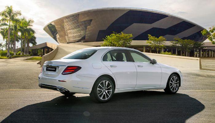 Động cơ xe Mercedes c200 mạnh mẽ với tốc độ di chuyển nhanh
