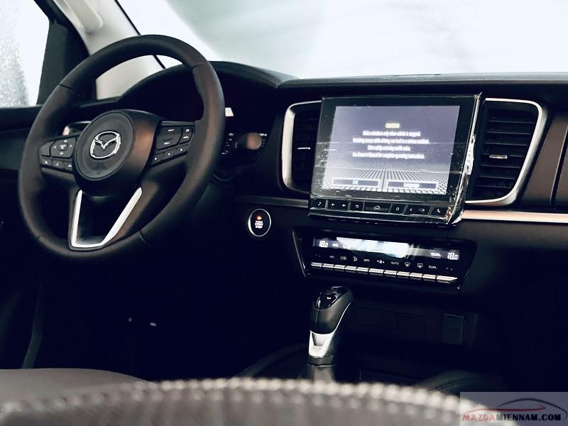 """Màn hình cảm ứng 9"""" tích hợp Apple Carplay trên Mazda BT-50"""