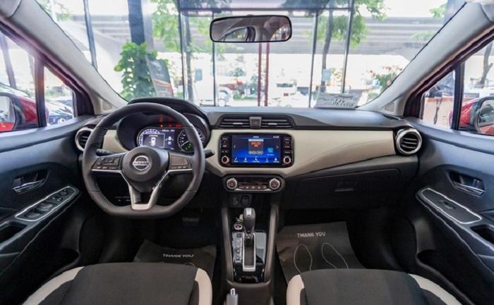 Đánh giá nội thất Nissan Almera 2021