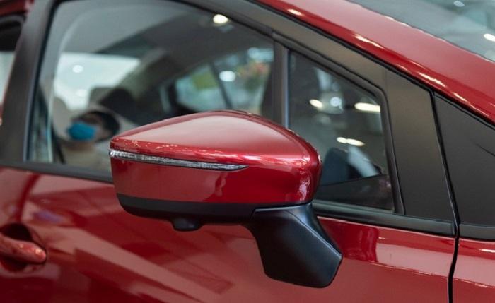 gương chiếu hậu Nissan Almera
