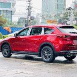 Say đắm ngắm nhìn Mazda CX8 Deluxe màu đỏ dưới những cơn mưa