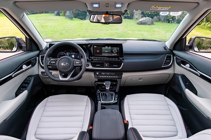 so sánh Mazda CX-3 và Kia seltos về nội thất