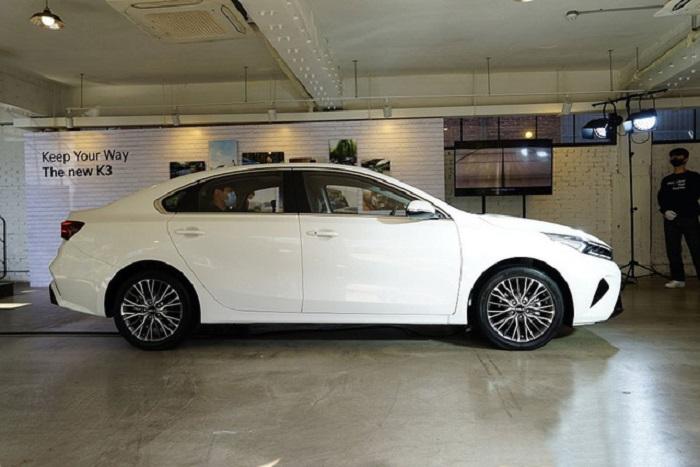 thân xe Kia K3 2022
