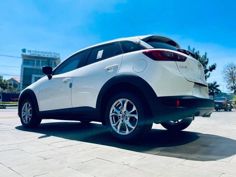 Hông xe Mazda CX3 2021